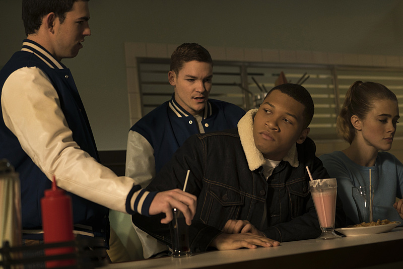 "DC's Legends of Tomorrow -- ""Night of the Hawk"" -- Image LGN108b_0126.jpg -- Pictured (L-R): Franz Drameh as Jefferson ""Jax"" Jackson and Melissa Roxburgh as Betty-- Photo: Katie Yu/The CW -- © 2016 The CW Network, LLC. All Rights Reserved"